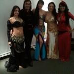 Safiya Aisha backstage, con Saida, Amir Thaleb, Tasnim y Munique Neith, en el 15 EIDA Amir Thaleb, Buenos Aires. Argentina